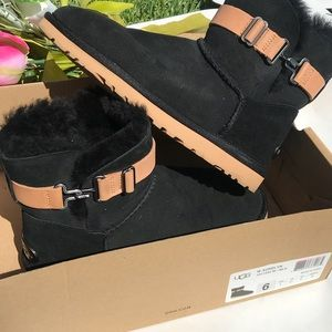Black W Aurelyn Ugg Boots